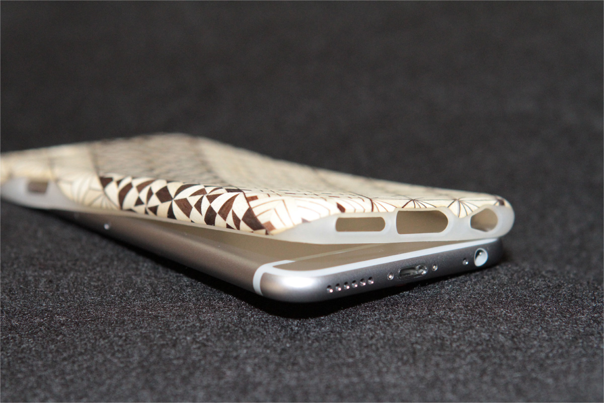 iPhone6sケース(ジャケット)柔軟性2